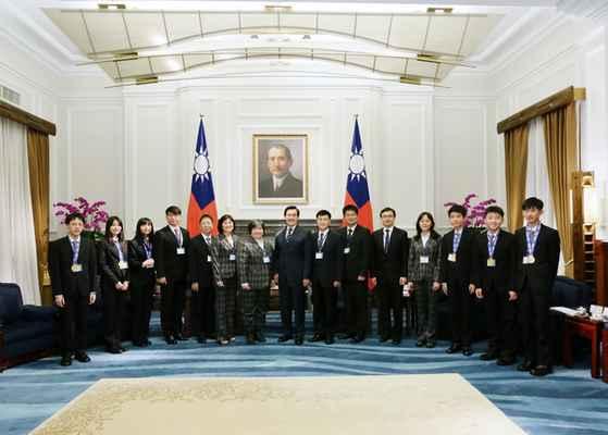 總統接見2015年國際國中科學奧林