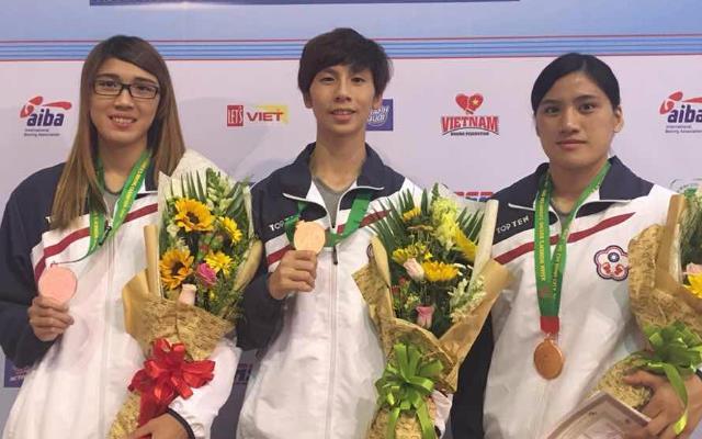 (附件照片1)我國參加亞洲女子拳擊錦標賽獲獎選手黃筱雯(左)、林郁婷(中)、陳念琴(右)(由中華民國拳擊協會提供)
