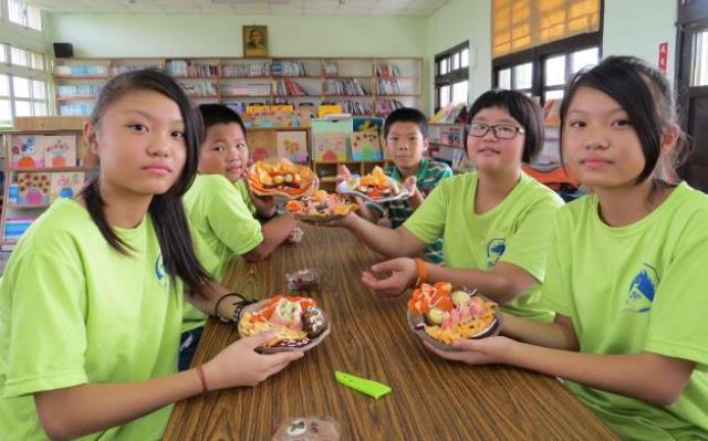 台中市馬鳴國小@餐桌布置擺設,提升孩子食農教育生活美學.JPG_大圖