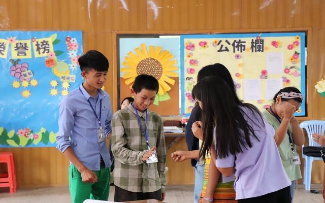 青年海外志工赴緬,培育華校種子教師