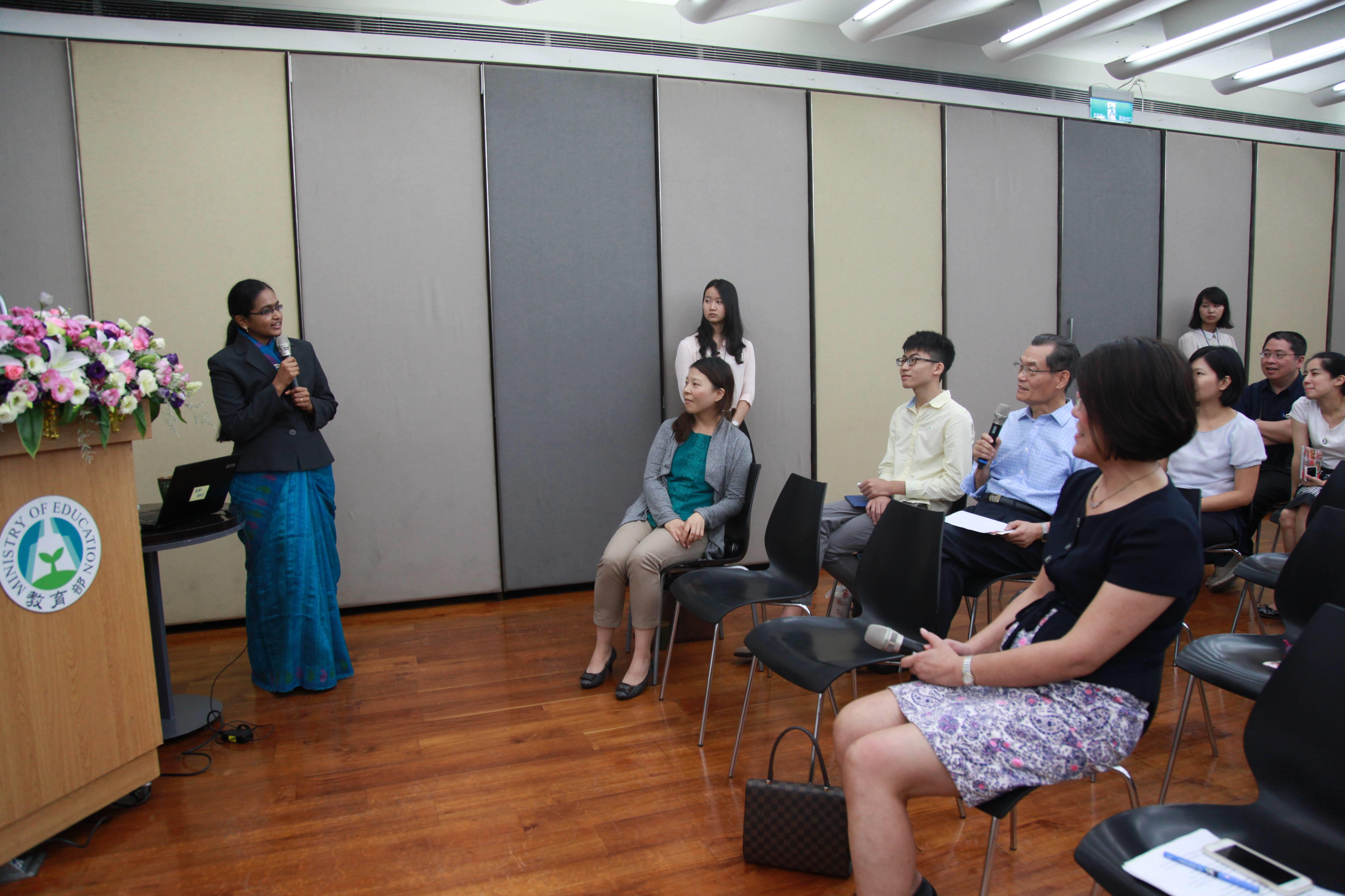 裴曼如(banu prakash)女士親切與聽眾互動_大圖