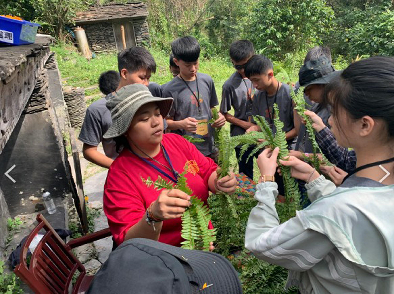 團隊邀請部落長輩分享編織及工藝技術,逐步累積部落生活文化_大圖