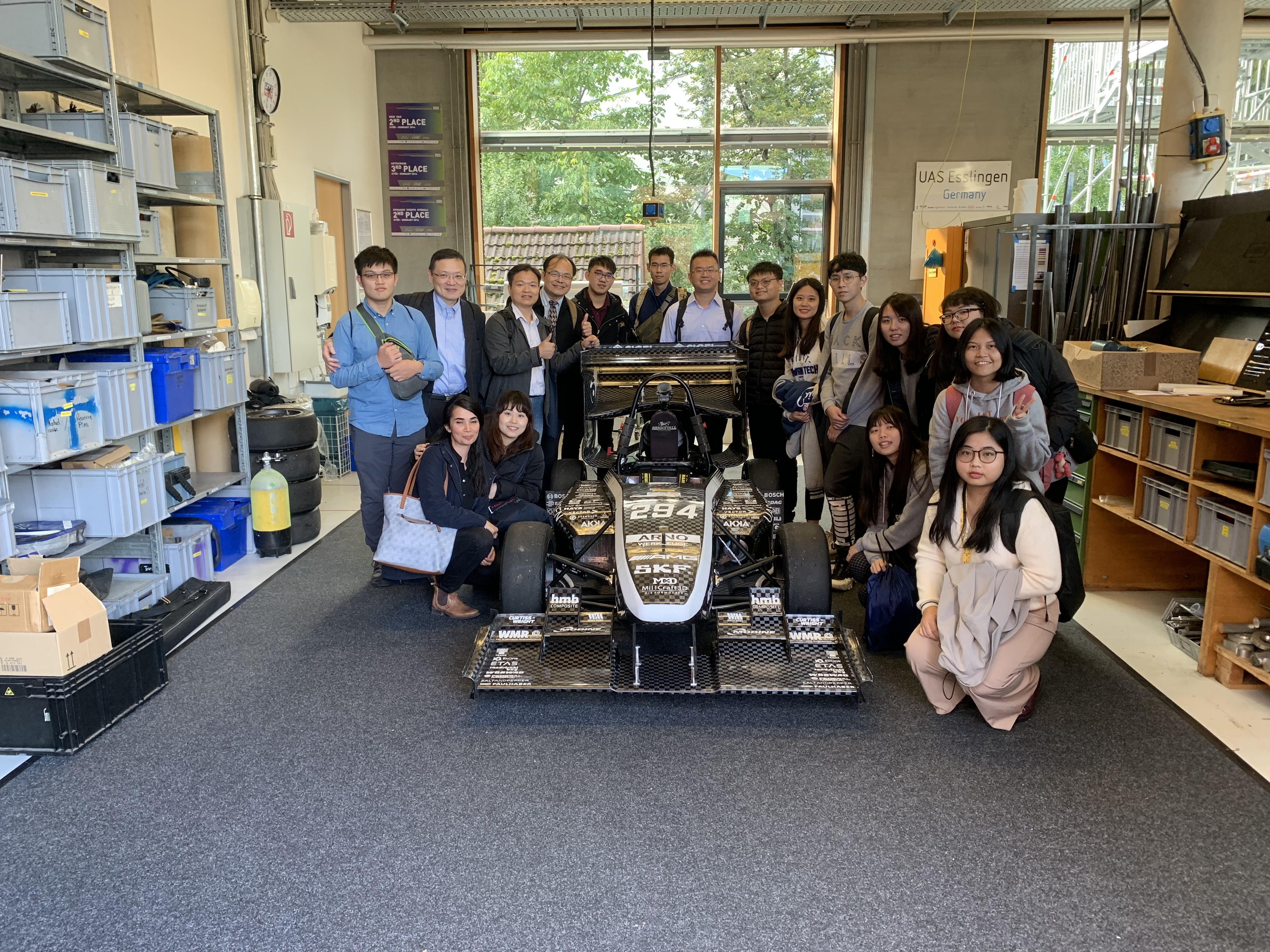 秋季短期研習參訪 德國Esslingen 科大賽車實驗室.JPG_大圖